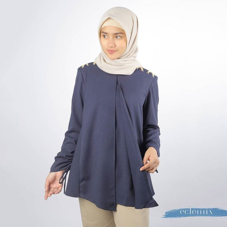 New Arrival 2018: . HONGI TOP NAVY . Now available at www.eclemix.com . You can also order via admin contact here :  Line@ : @eclemix  WA : 081326004010 . Happy shopoing ladies  . #eclemix #hijab #fashion #beauty #ootd #top #bandung #localbrand #2018
