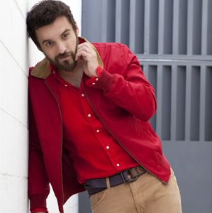 The only thing cuter than Jake Johnson is Jake Johnson with a beard...who knew adorable could look so scruffy?