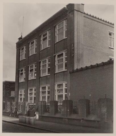Foto 45118 Regionaal Archief Tilburg. Upload Facebook Henriette van Hamont. Huishoudschool Elzenstraat.