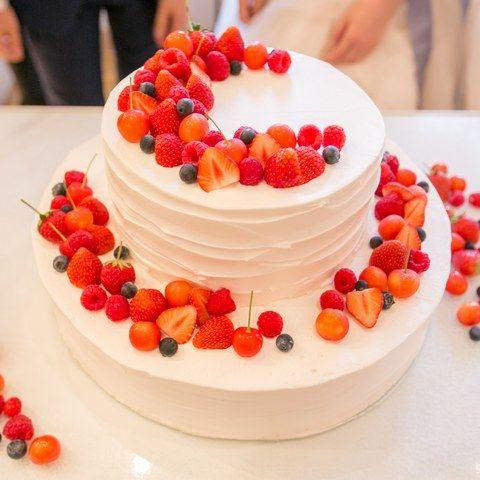 結婚式場写真「ウェディングケーキはパティシエとのお打ち合わせをして、オリジナルデザインに」 【みんなのウェディング】