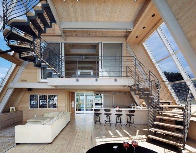 escalier en colimaçon maison moderne cadre en acier marches en bois
