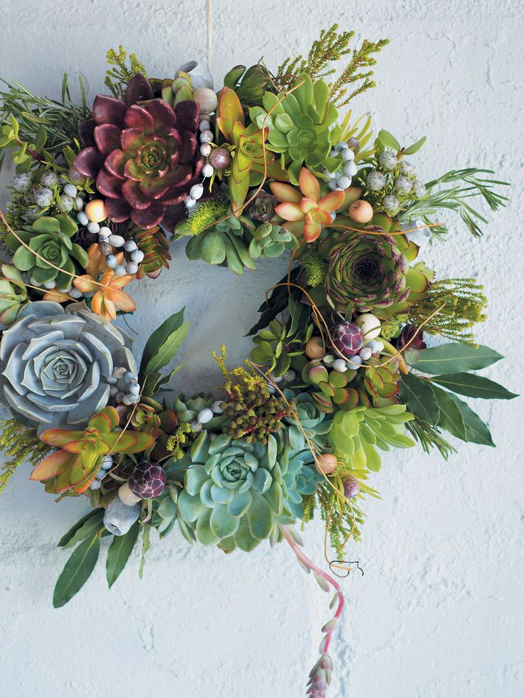 African Christmas wreath. A pictorial tutorial.