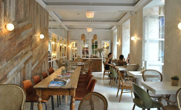 Cafeter as para sentirse como en casa madrid pinterest for Sofas modernos madrid