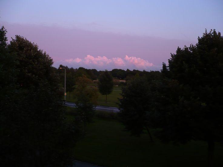2014 08 10 21:36 Paarse lucht