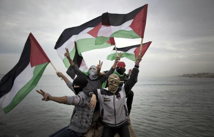 2 décembre. Manifestation des Palestiniens dans le port de Gaza, en Palestine, pour protester contre le blocus imposé par les Israéliens ava...