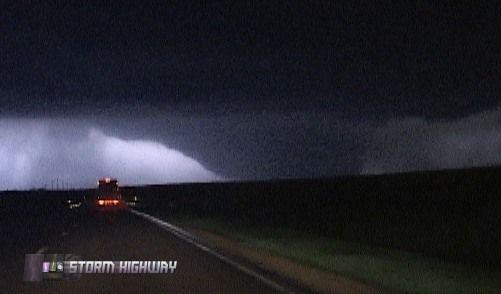 tornadoes in kansas | Massive F5 tornado destroys Greensburg, Kansas: Strongest tornado in 8 ...