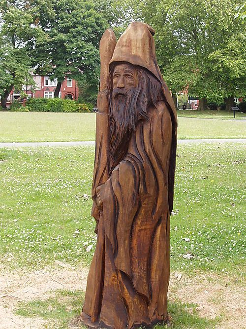 Chainsaw carved wizards the wizard of old moat park
