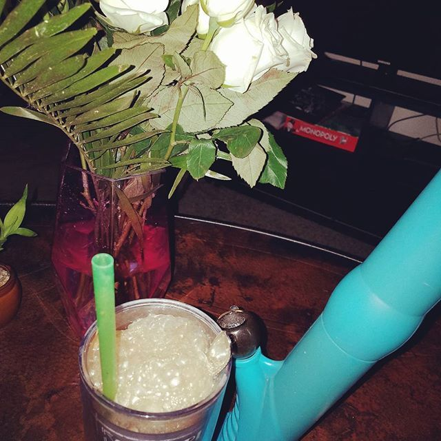 So mood flowers for my bong and root beer float. Relaxing with the babe   #bonglife #420 #420fam #lit #silicone #siliconebong #medicate #cannabis #cannabislife #harvest #azstoners #azstonersociety #medicalmarijuana #weed #legalizeit #trapnation #localharvest #kindashtray #chronicpain #whiteroses #rootbeer #nostalgia #bonglife    #Regram via @thetrippythumper)