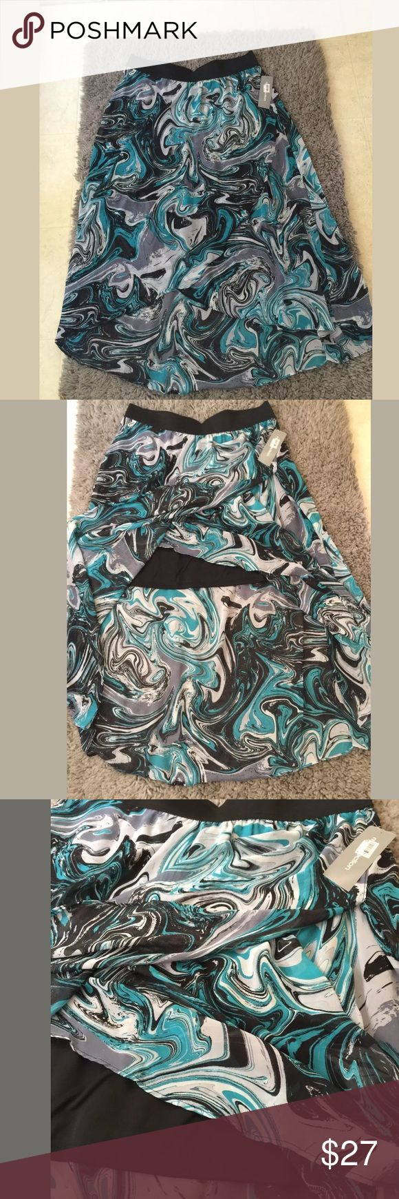 NY collection Skirt NY collection High-Low printed skirt size XL . Elastic waist . Layers. Material : 100% polyester NY Collection Skirts High Low