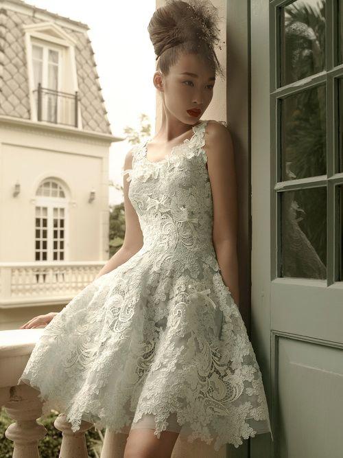 Maravillosa colección de vestidos de novia cortos de la firma St. Pucchi.