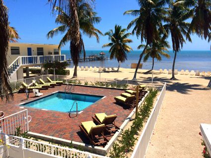 Seashell Beach Resort - Grassy Keys, Marathon Florida Keys Resort Motel Accommodations, has ground floor (barrier free / ADA / wheelchair / accessible) rooms, and a pool life so disabled people can enjoy the warm pool!!!
