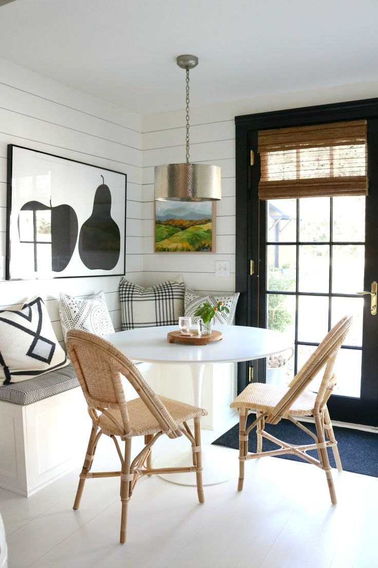 A Black and White Modern meets Vintage Connecticut Home Tour #nestingwithgrace