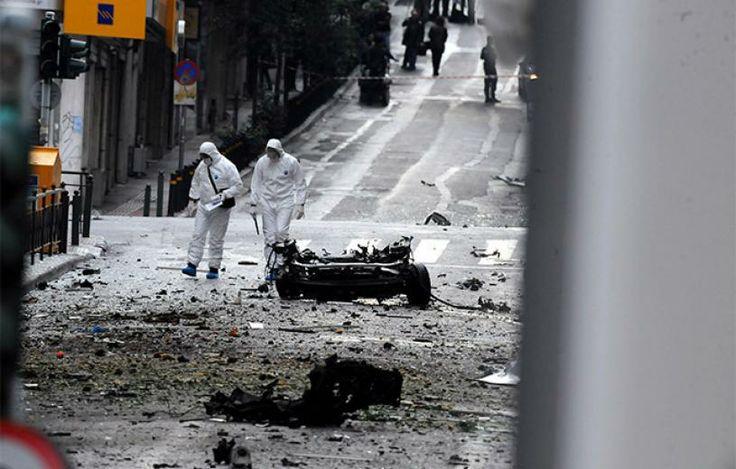 eleutheriaellinesnet: Ισχυρή έκρηξη σε παγιδευμένο αυτοκίνητο έξω από τη...