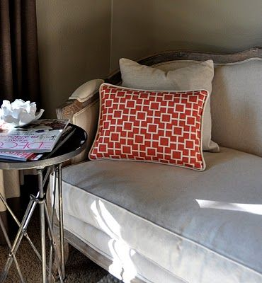 How To Make A Throw Pillow With Piping And Zipper : pillow with piping and zipper tutorial Sewing ideas and tips Pinterest Pillow covers ...