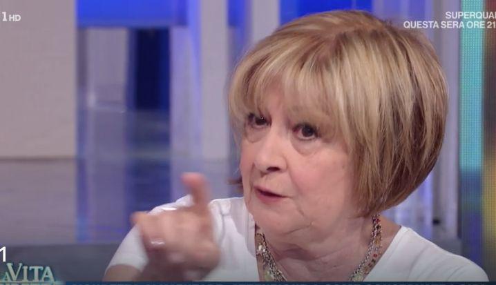 Anna Moroni suggerisce a La vita in diretta cosa fare contro il botulino delle conserve e la ricetta della marmellata nel microonde (foto)