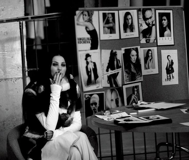 Ingrid Vlasov,backstage Paris Fashion Week,model comp.cards