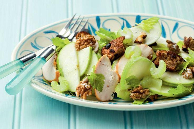 Kijk wat een lekker recept ik heb gevonden op Allerhande! Maaltijdsalade van kip, appel en bleekselderij