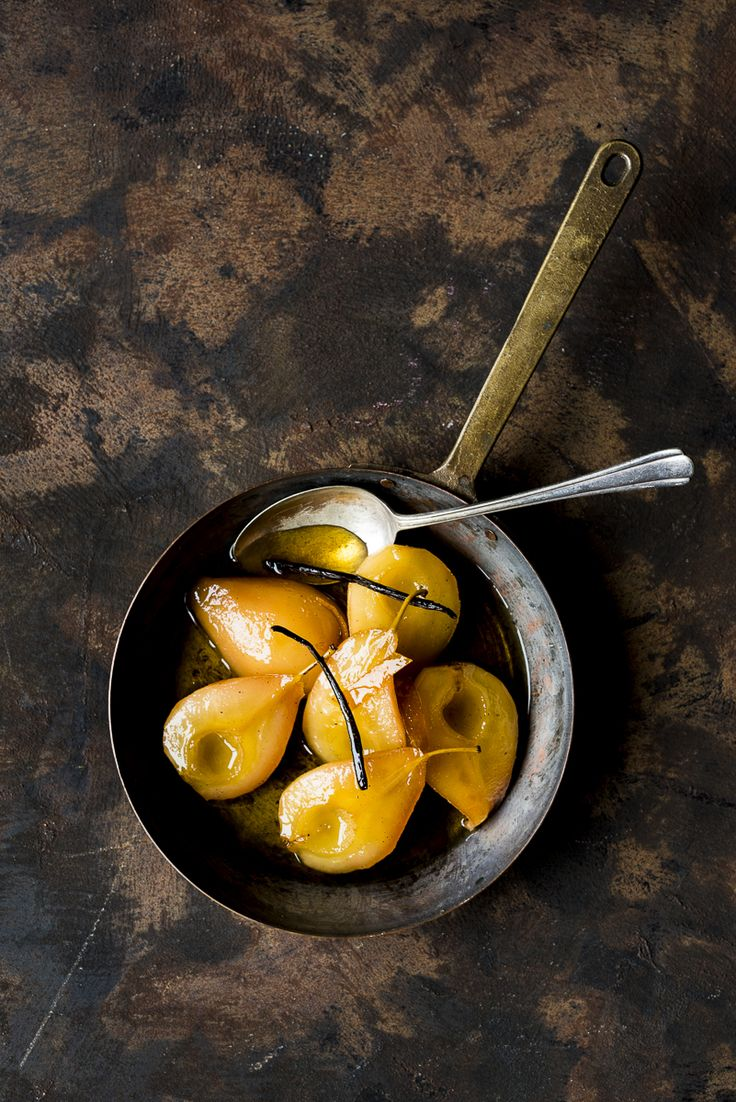 Pears poached in Caramel, Brandy and Vanilla - heinstirred.com