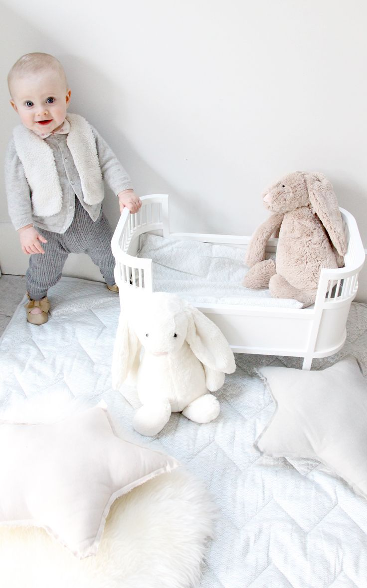 I first came across Cam Cam when I was searchingfor organic linens for Alba. They have such a gorgeous range of GOTS (Global Organic Textile Standard) certified ecocotton soft furnishings, clothes and baby accessories. We love the playmat in 'Grey Wave', it's the perfect size to pop in a corner for Alba to play to …