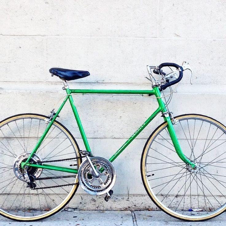 197 best Vintage Schwinn Bicycles images on Pinterest | Bicycles ...