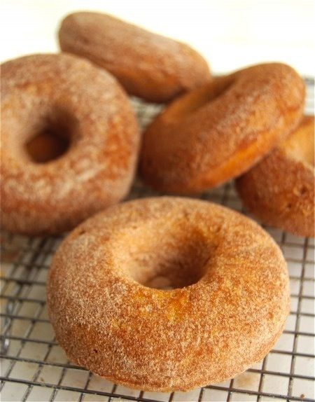 Baked Pumpkin Donuts and 10 awesome Pumpkin recipes - Hanukkah is right around thanksgiving this year....I'm thinkin pumpkin doughnuts is perfect!