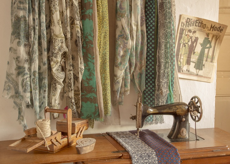 #scarf #wool #delcarmen #sewing #machine #vintage