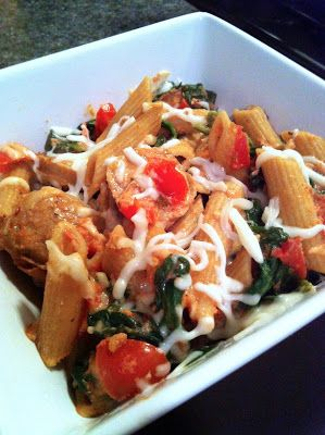 light pasta bake with chicken sausage, mozzarella, spinach & tomatoes ...