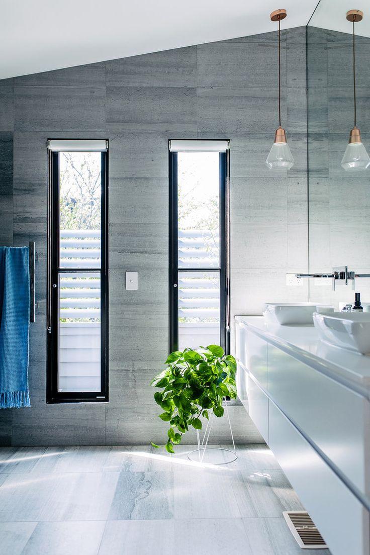 Grey bathroom / Baño gris