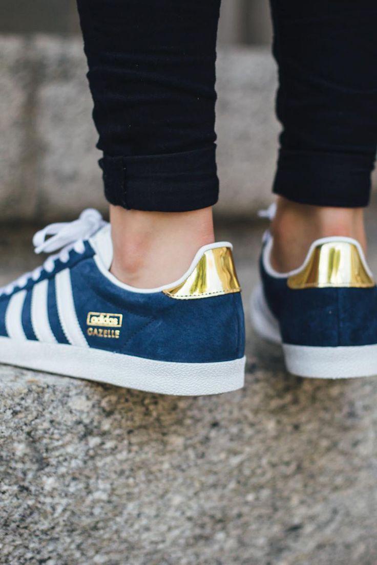 Indigo Blau wirkt besonders spannend mit Metallfarben wie Messing, Gold und Kupfer. Adidas hat das verstanden.