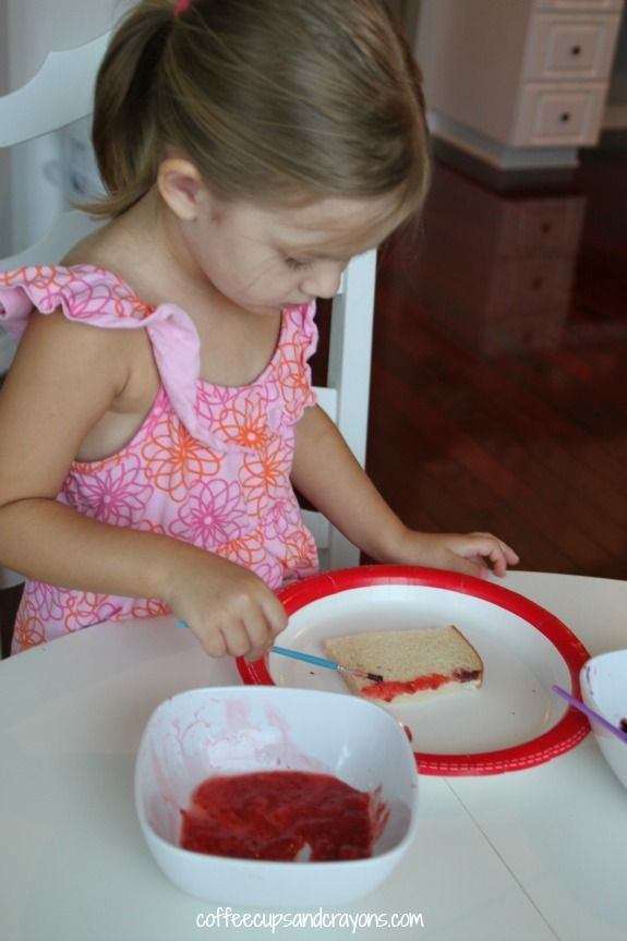 Fun and Healthy Kids Snack-- Paint on Toast with Fruit Paint! Red, White & Blue Painted Toast Flags for 4th of July