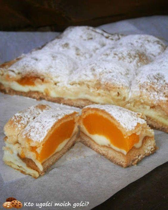 Brzoskwiniotka – kruche ciasto z brzoskwiniami i budyniem