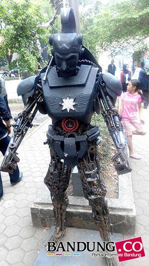 Gatot Kaca Taman Superhero Bandung
