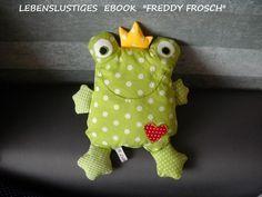 """*Dein Kind wird ihn lieben den kleinen knuffeligen """"FREDDY"""" Frosch*  in einer einfachen Schritt-für-Schritt-Anleitung mit vielen Fotos kannst du ihn ganz einfach nacharbeiten  ich schicke es...                                                                                                                                                                                 Mehr"""