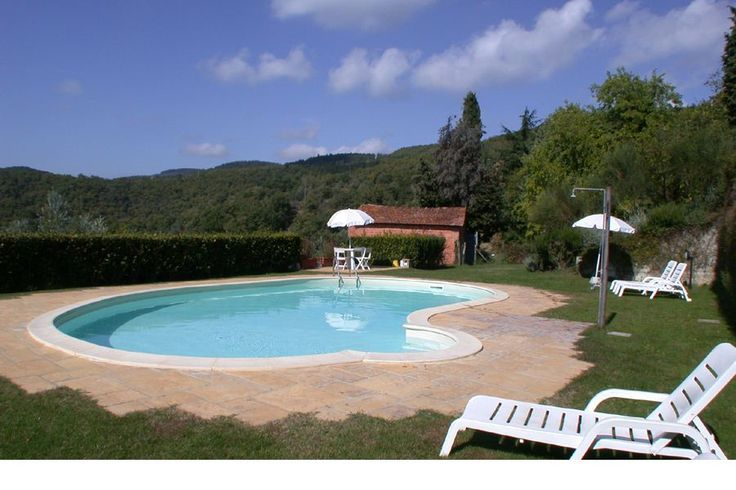Rent apartments and typical stone houses with their own space to eat outside to dine,swimming pool, for family and children Gaiole in Chianti - http://www.italiaincampagna.com/tuscany/siena/farmhouse/agriturismo-gaiole-in-chianti_en.aspx