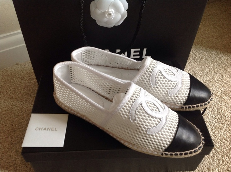 chanel espadrilles white mesh leather flats shoes whore pinterest flats espadrilles and. Black Bedroom Furniture Sets. Home Design Ideas
