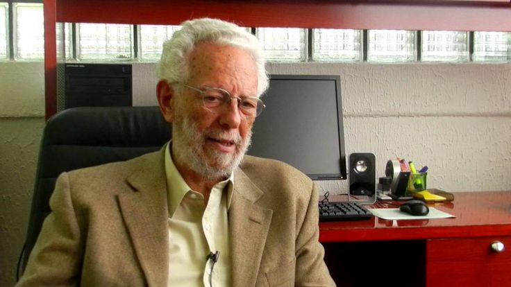 Enrique Dussel (1934), filósofo argentino radicado desde 1975 no México. Um dos maiores expoentes da Filosofia da libertação e do pensamento latino-americano em geral.