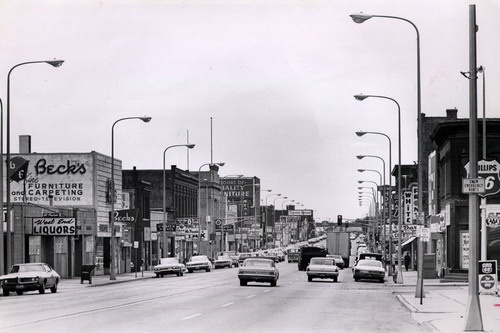 Looking west down Superior Street, West End, Duluth. (Charles Curtis / News-Tribune) July 23, 1970