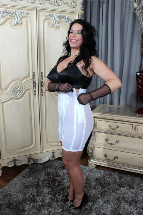 c5ceda9bc A white panty girdle and a wonderful