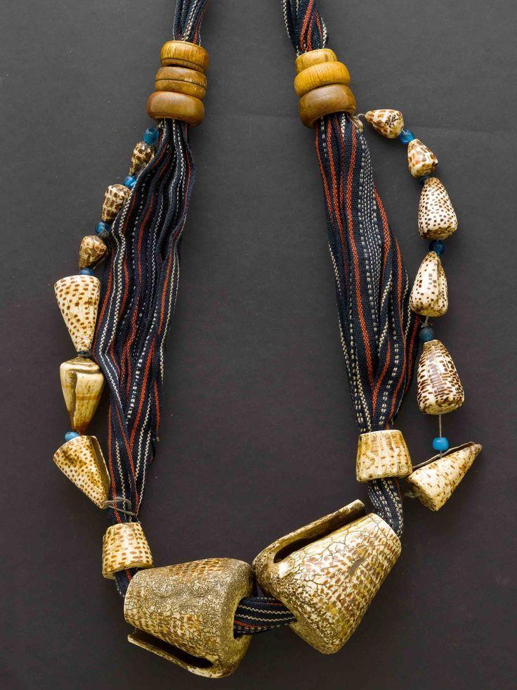 Philippines | Bontoc Sangilot woman's belt; cotton textile, shells, glass beads and wood
