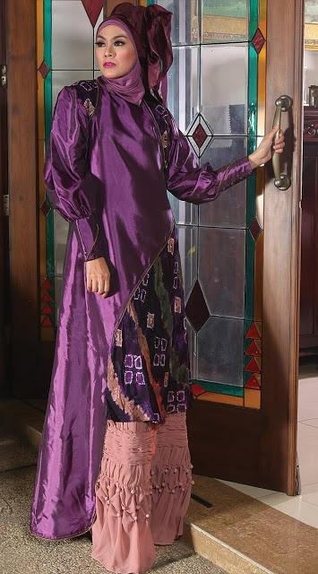Abaya Sasirangan Ungu - Termasuk inner,jilbab segi empat dan pashmina.  Dzakirah boutique - $175.00
