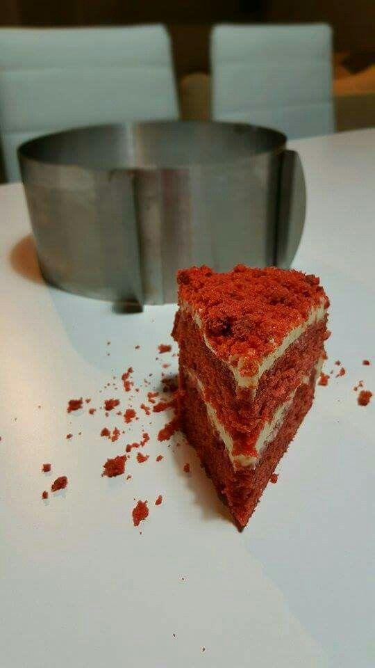 """""""Κόκκινο βελούδο"""" (γνωστό ως  red velvet! )  Για να ξεκινήσει γλυκά το σαββατοκυριακο!"""