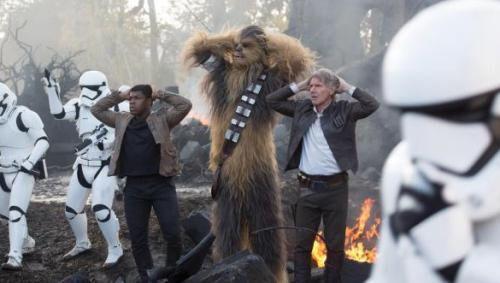 """""""Star Wars - Le Réveil de la Force"""" réalise le 4e meilleur démarrage en salles à Paris depuis 15 ans!"""