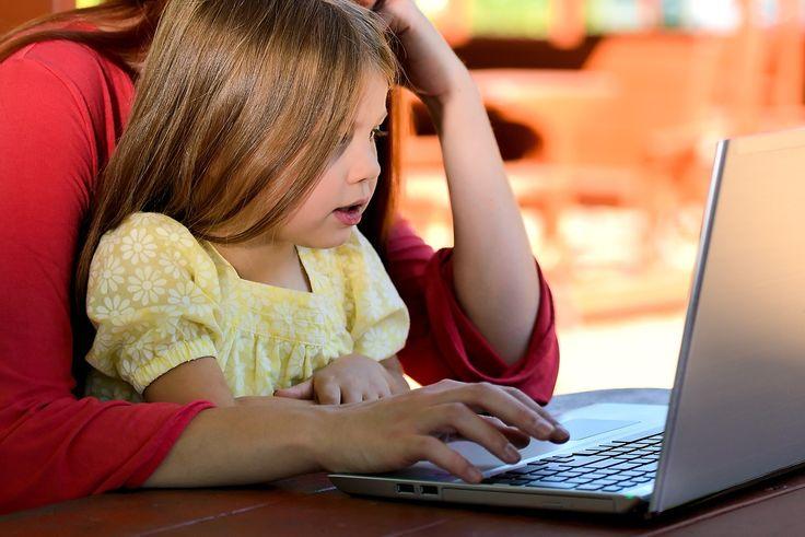 Közhely,+de+minden+szülőt+nyugtalanít+az+időmennyiség,+amit+gyermeke+az+online+világban+tölt+el,+de+legtöbben,+mégis+úgy+érzik+tehetetlenek.
