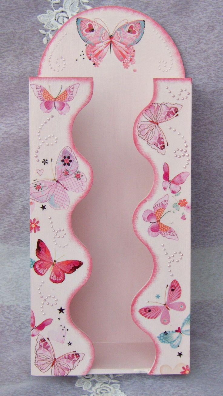 Zsebkendőtartó rengeteg pillangóval