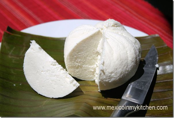 How to make fresh Mexican cheese/Cómo hacer Queso Mexicano fresco. my mouth is watering!