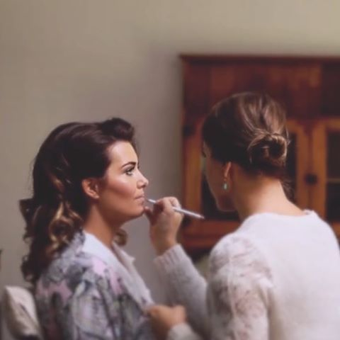 bridal touch ups//curls//glowing skin//big hair//makeup artist//wedding makeup www.maplelane.com.au