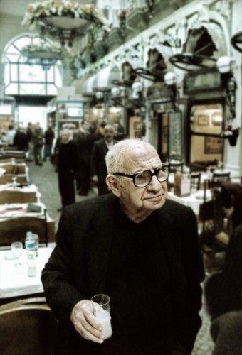 Aydın Boysan, 17 Haziran 1921, İstanbul doğumlu Türk mimar ve gazetecidir. 30 kadar kitabı vardır, en son Uzun yaşamanın sırrı isimli kitabı #wolkanca @wolkanca