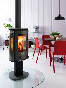 The Jøtul F 373 Wood Burning Stove, with side windows for a great view of the flames. It can even be rotated (when installed with top flue outlet) so that you can see the fire from anywhere in the room. http://www.ukhomeideas.co.uk/ideas/heating-fireplaces/wood-burning-stoves/the-award-winning-j%C3%B8tul-f-373-wood-burning-stove/