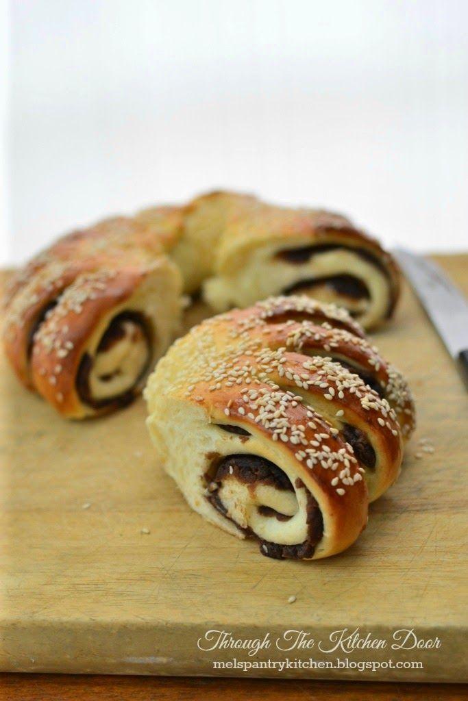 Through The Kitchen Door: Red Bean & Sesame Seeds Ring Bread