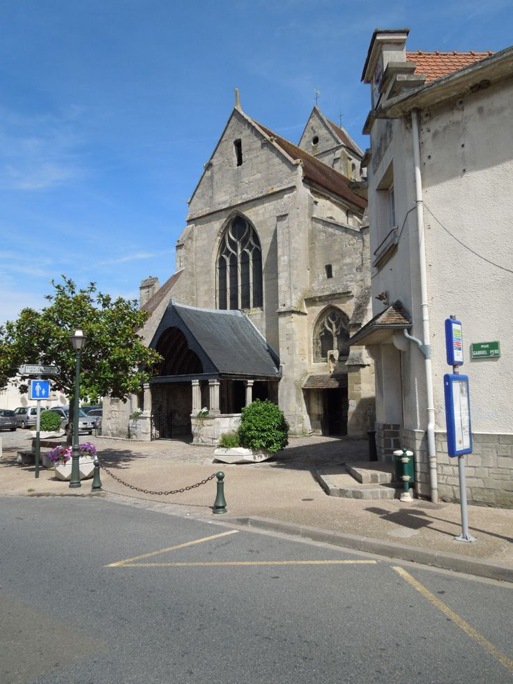 Church of Saint-Étienne, Marly-la-Ville, (13th Century), France.